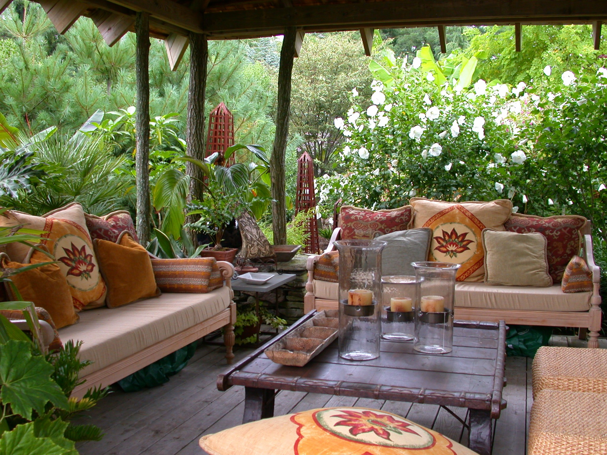 the perfect outdoor room source - The Outdoor Room